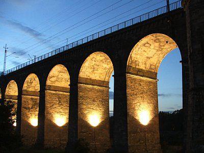 Podświetolny wiadukt kolejowy