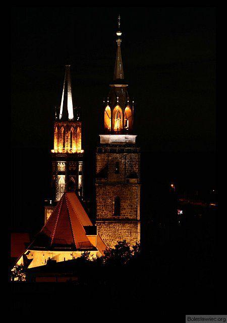 Kościoły nocą