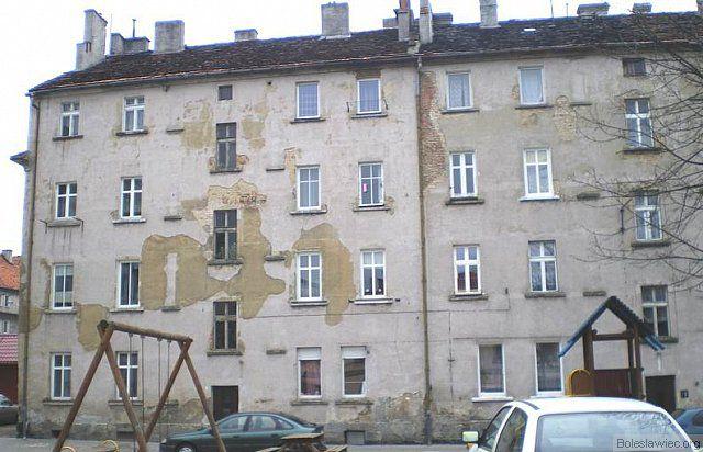 ul. Żwirki i wigury 2, 4 z-index: 0