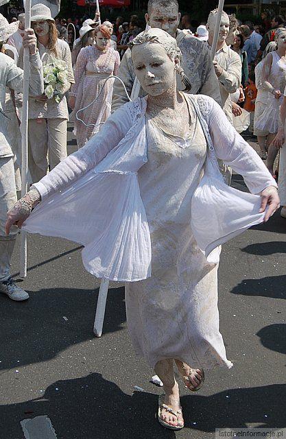 Tanczący aniołek