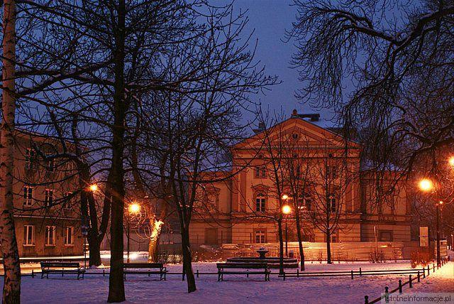 Stary teatr zimą