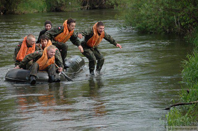 Szkolenie klasy licealnej z Rakowic o wojskowym profilu nauczani z-index: 0