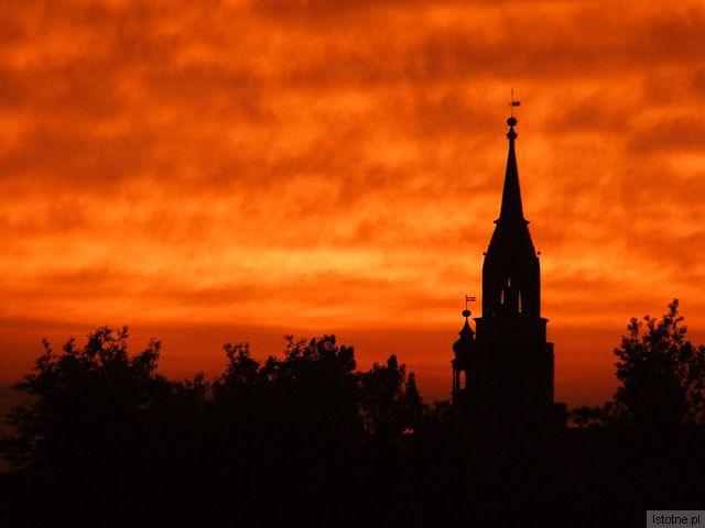 Wieże Sanktuarium i Ratusza