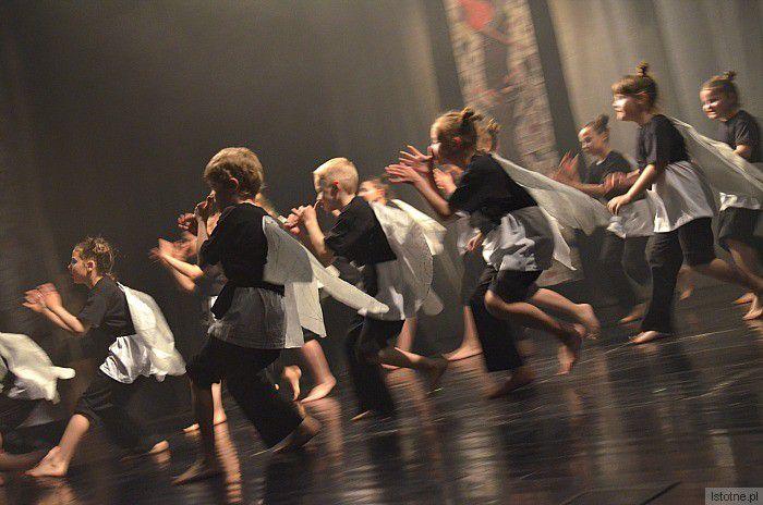 KOŁYSANKA -taneczne przedstawienie w Starym Teatrze, fotorelacj