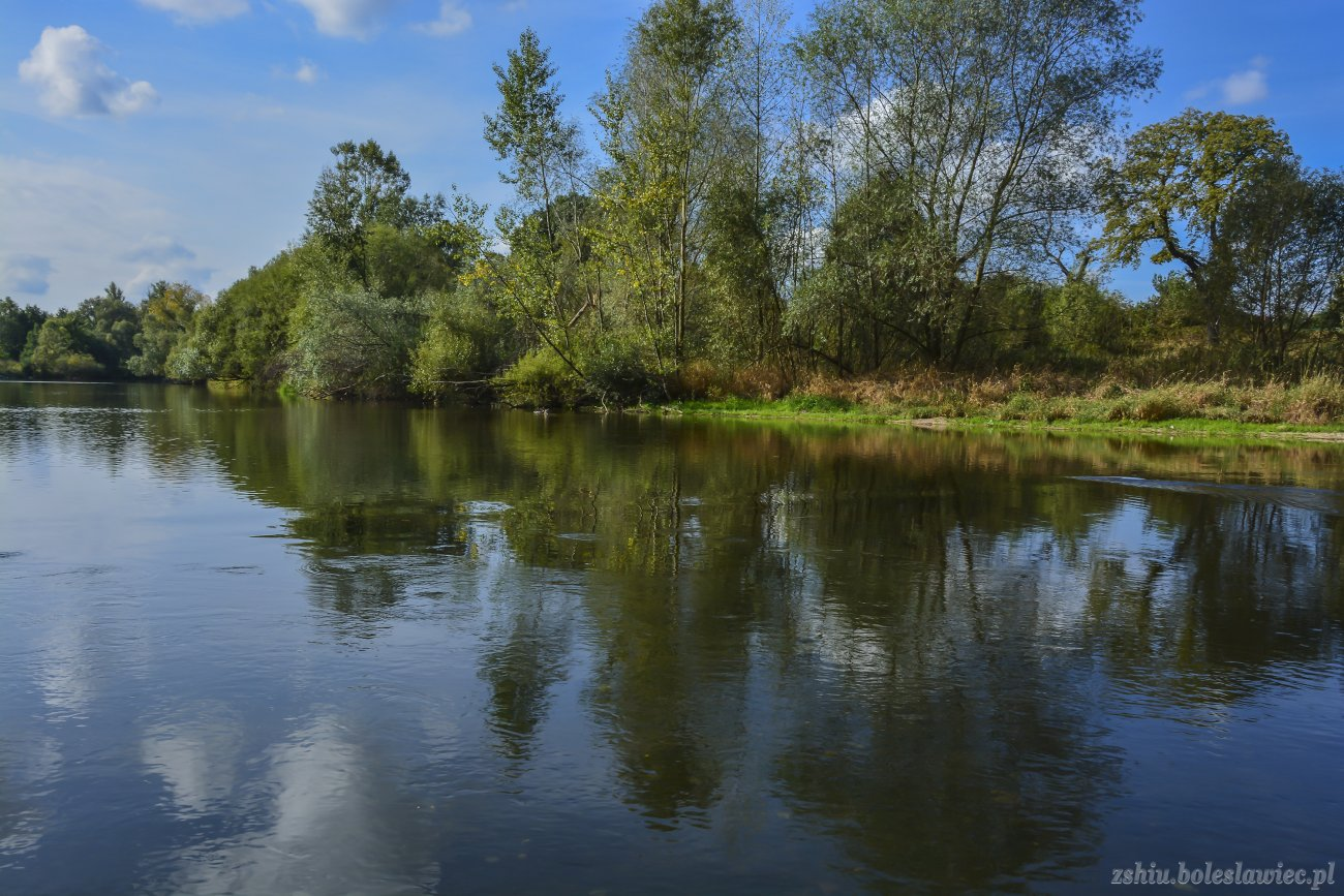 Rzeka Bóbr w Bolesławcu z-index: 0