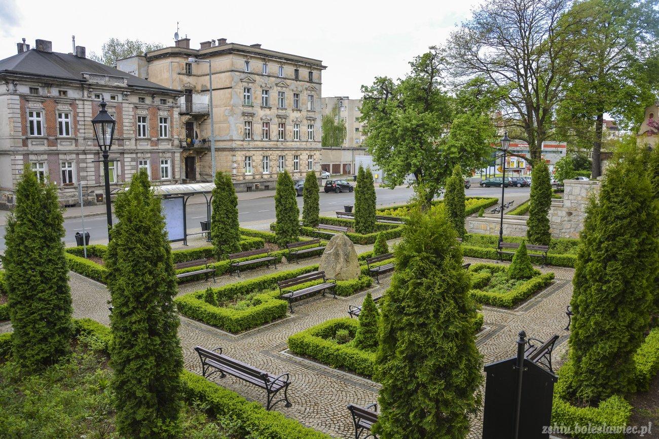 Planty przy ulicy Kubika w Bolesławcu (7.05.2015 r.) z-index: 0