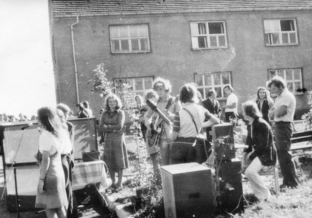 Zespół arystyczny ZSB. (1975/76r)
