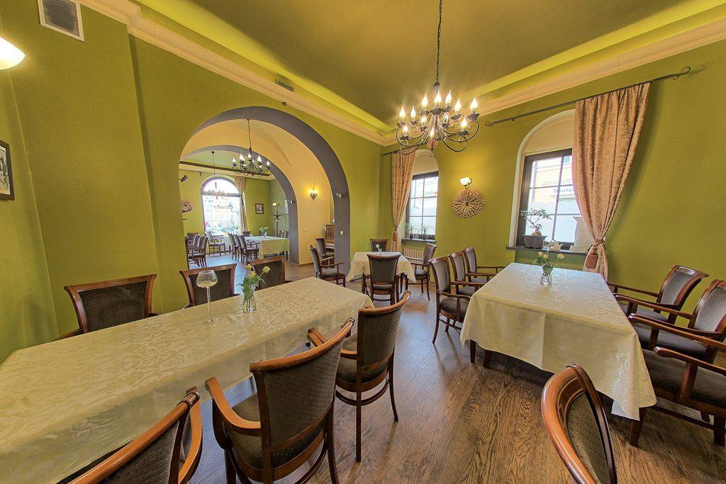 Restauracja Oleńka z-index: 0