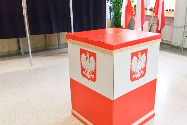 Kierunkowskazy ułatwią dotarcie do miejsc głosowania w referendum