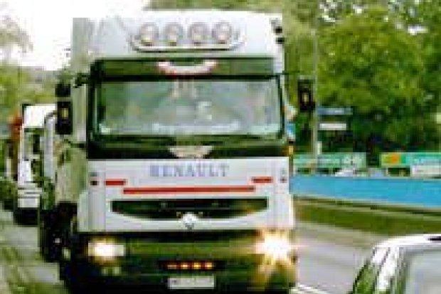Trwa kontrola ciężarówek na autostradzie