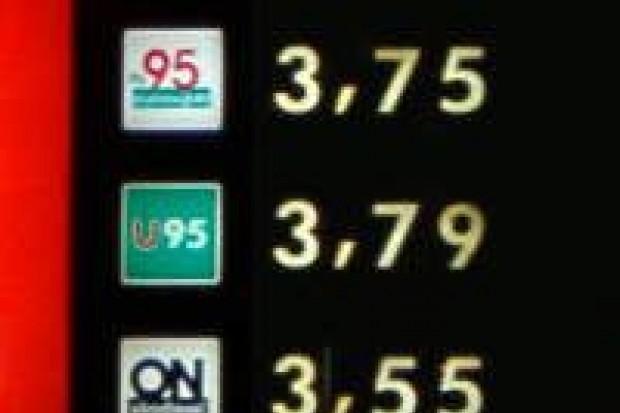 Ceny paliw są niższe niż przed miesiącem