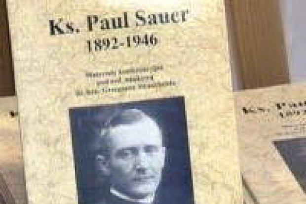 Jest książka z konferencji o ks. Sauerze