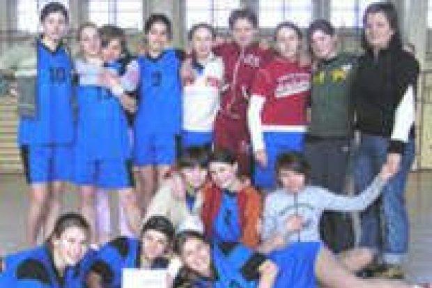 Siatkarki drugiego gimnazjum zwyciężyły