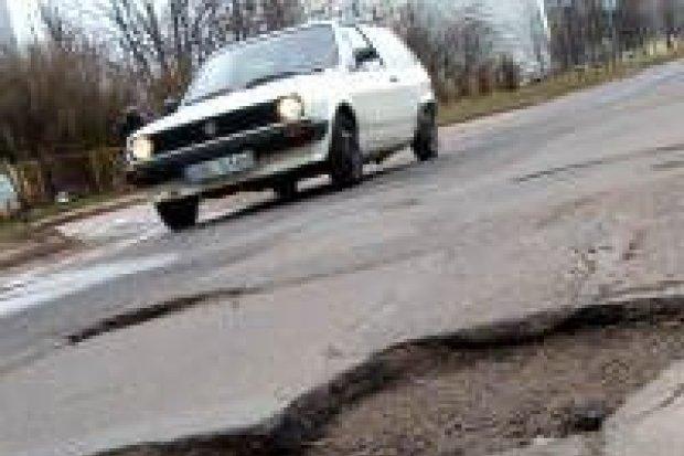 Powiat stopniowo remontuje drogi