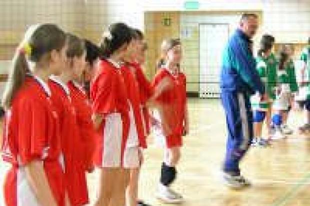 Rozegrano szkolne mistrzostwa w minisiatkówce
