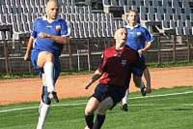 Bolesławieccy piłkarze pokonali AKS Strzegom