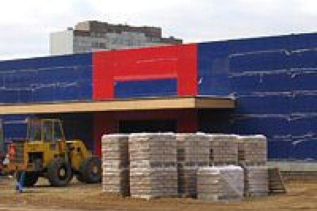 W Bolesławcu powstają kolejne supermarkety