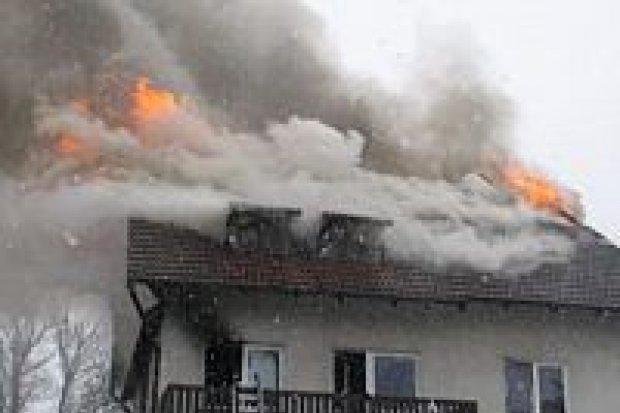 Wybuchł pożar przy ulicy Brzozowej