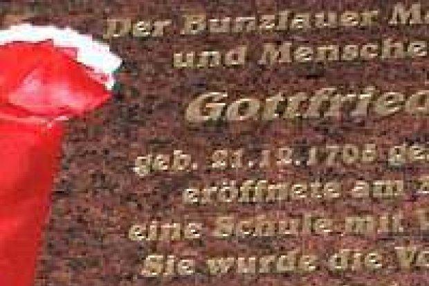 Odsłonięto tablicę poświęconą Gottfriedowi Zahnowi