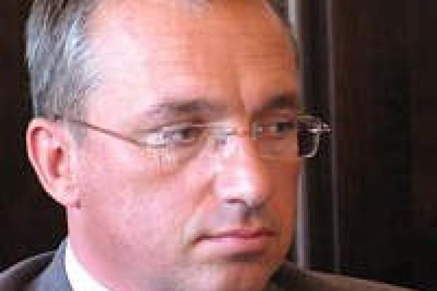 Piotr Roman chce odebrać pieniądze na szpital