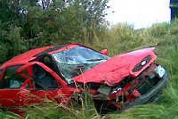 Kobieta została ranna w wypadku koło Krzyżowej