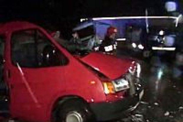 3 osoby zginęły, a 4 zostały ranne w wypadku koło Bolesławca
