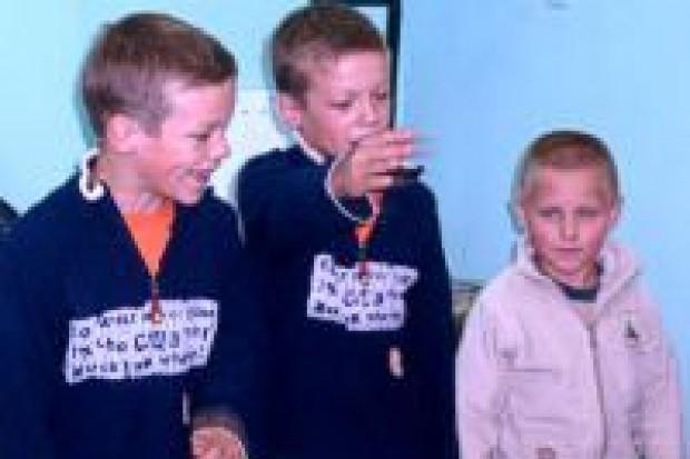 Młodzi socjaldemokraci wyprawili maluchy do szkoły