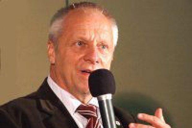 Stefan Niesiołowski popiera Cezarego Przybylskiego