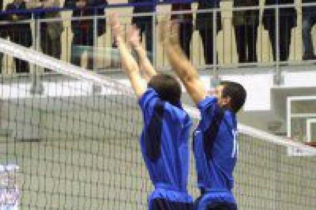 Siatkarze TOP Bolesławiec wygrali z Ikarem II Legnica 3:0