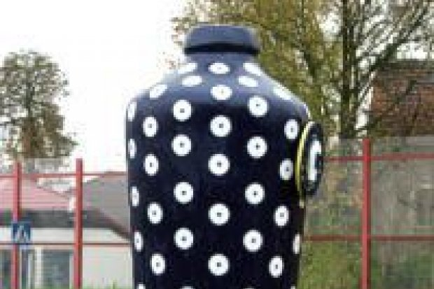 Producenci ceramiki promują siebie i miasto na rondach