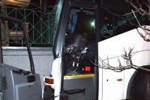 Autobus uderzył w dom jednorodzinny
