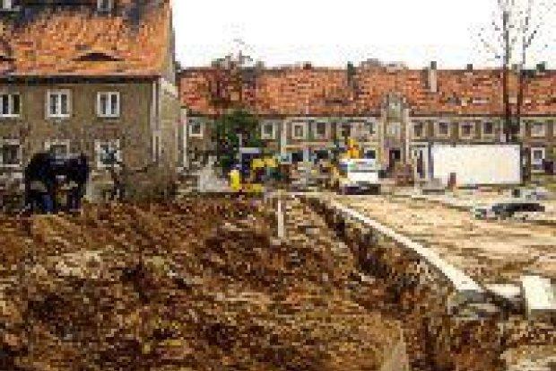 Trwa remont ulic Konstytucji 3 Maja i Małachowskiego