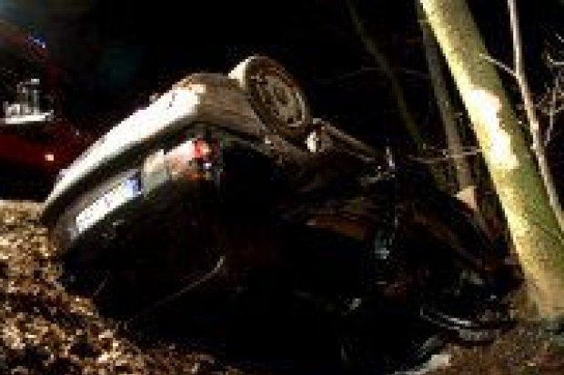 Jedna osoba zginęła a cztery zostały ranne w wypadku