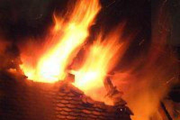 Pożar wybuchł w kamienicy przy ul. Mostowej