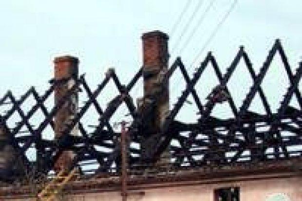Troje dzieci zostało poparzonych w pożarze