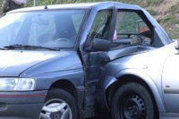 Pijany kierowca Forda spowodował kolizję