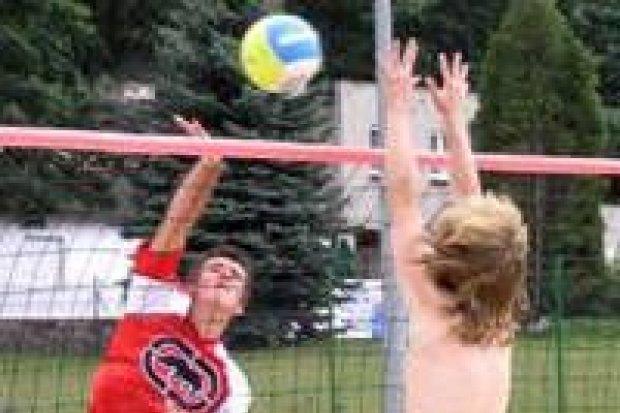 Rozegrano turniej siatkówki plażowej