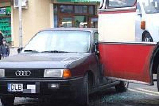 Trzy samochody zderzyły się na ulicy Łokietka