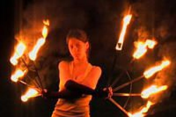 PironiX tańczy z ogniem