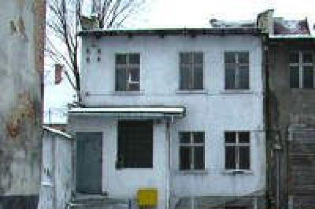 Dziewięcioro dzieci mieszkało bez opieki rodziców
