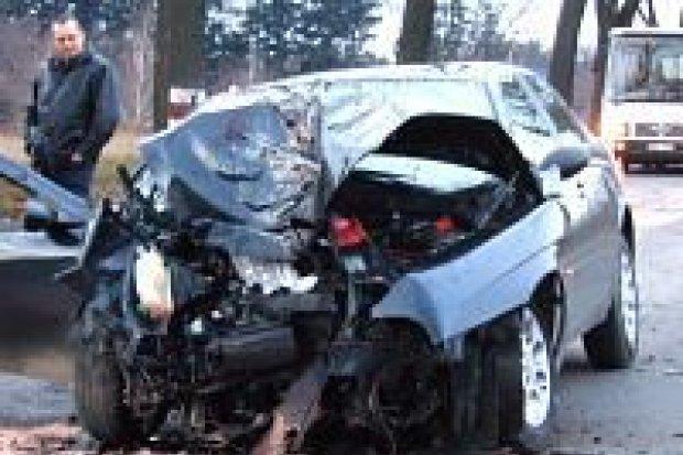Dwie osoby ranne na drodze z Bolesławca do Łazisk