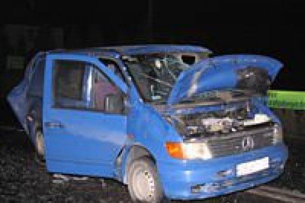 Kierowca w krytycznym stanie po wypadku w Warcie Bolesławieckiej