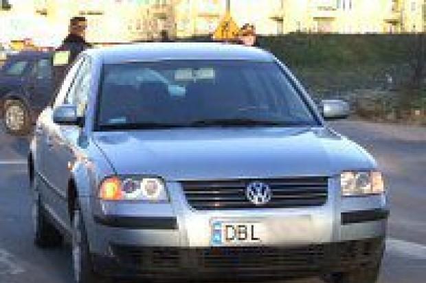 Samochód potrącił kobietę na ulicy Karola Miarki