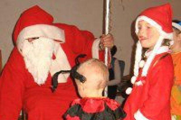 Straż miejska pomogła zorganizować zabawę w domu dziecka