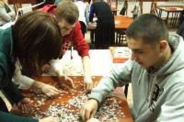 Grupa Pościgowa najlepsza w układaniu puzzli