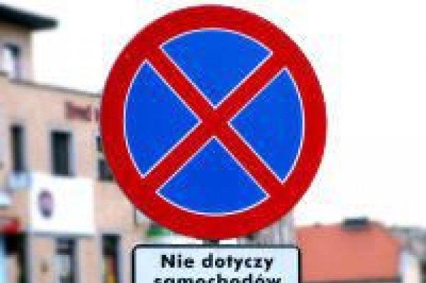 Znaki drogowe w centrum miasta budzą kontrowersje
