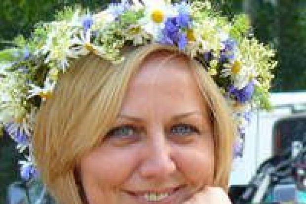 Opałkowe wianki z kwiatów i magicznych ziół