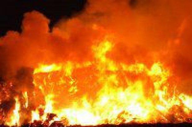 Stóg słomy spłonął w Warcie Bolesławieckiej
