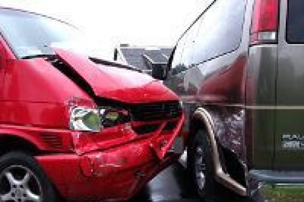 Zderzenie busów – dwie osoby ranne