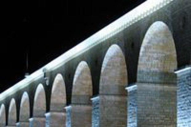 Magistrat nagrodzony za iluminację wiaduktu
